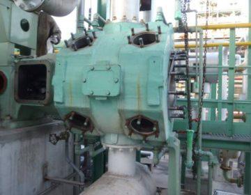 水平対向型ガス圧縮機分解点検
